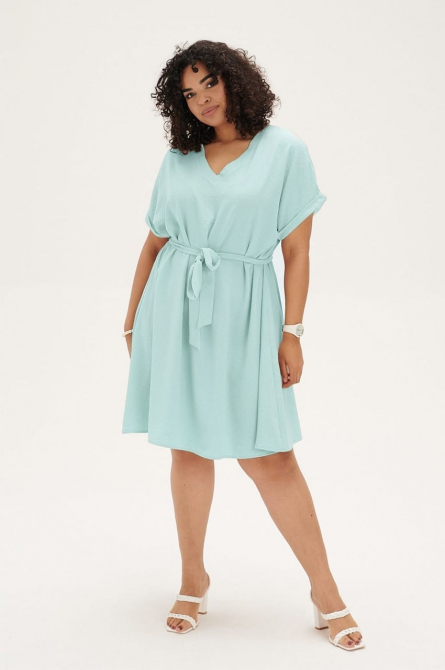 błękitna sukienka plus size