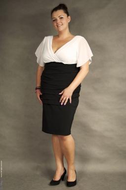 Sukienka XXL Alessandra biało - czarna